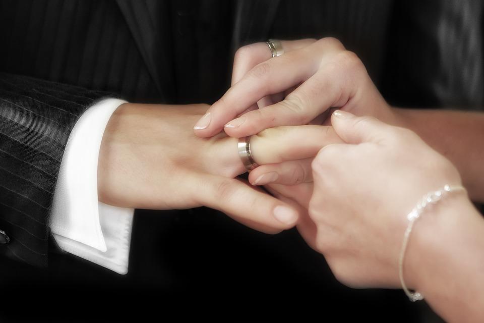 wedding-540905_960_720