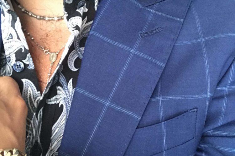 Come vestirsi bene in estate: 3 buoni consigli sull'abbigliamento maschile estivo